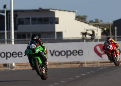 Roar racing FIM Oceania green machine asbk
